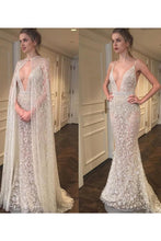 Load image into Gallery viewer, 2019 Spaghetti Straps Wedding Dresses Mermaid Lace With Sash And Cape