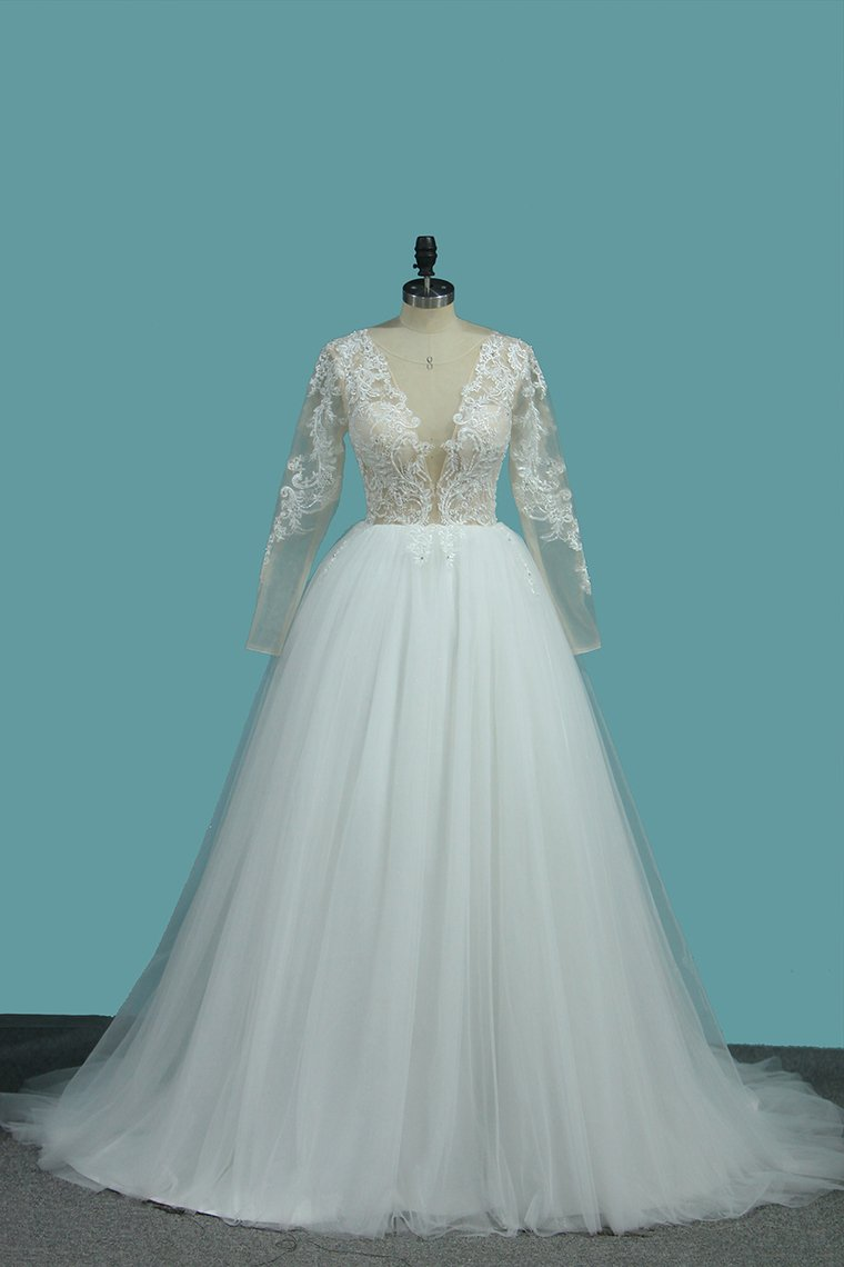 2019 Long Sleeves A Line Scoop Tulle Wedding Dresses With Applique Chapel Train