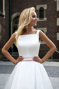A-Line Sleeveless Long Ivory Pleated Prom Dress Backless Bateau Satin Wedding Dresses RS337