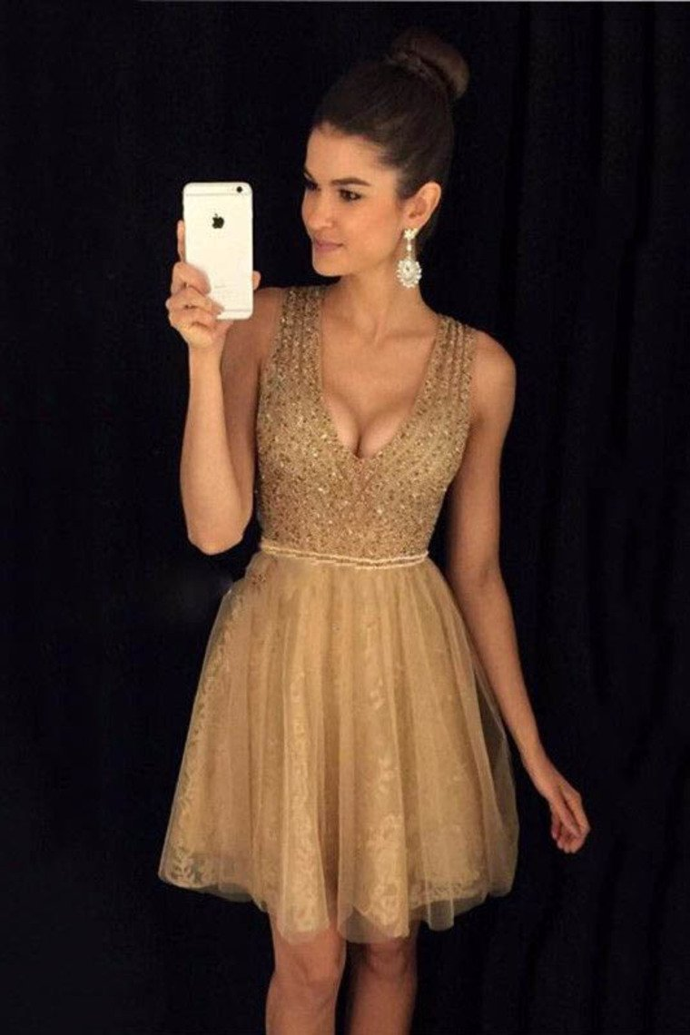 2019 V Neck A Line Homecoming Dresses Tulle With Beading Short/Mini