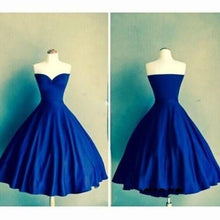 Load image into Gallery viewer, Royal Blue Sweetheart Vestidos Knee Length Backless Pleats Fashion Graduation Dress RS439