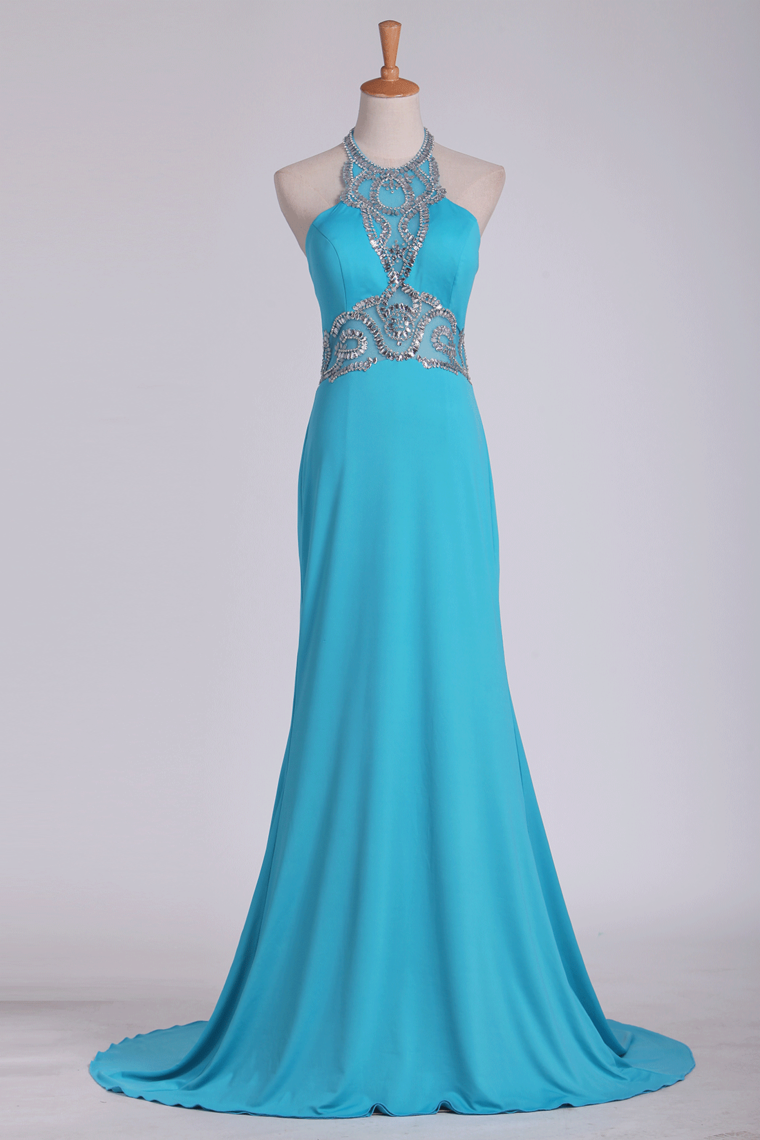 2019 Spandex Sheath Prom Dresses Halter With Beading Sweep Train