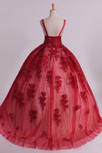 Load image into Gallery viewer, 2019 Sexy Bateau A-Line Prom Gown Sweep Train With Beads And Applique Burgundy