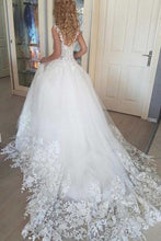 Load image into Gallery viewer, 2019 Beautiful Ivory Tulle Ball Gown Wedding Dresses Appliques