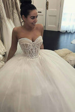 Load image into Gallery viewer, 2019 Sweetheart Wedding Dresses A Line Tulle With Applique Court Train