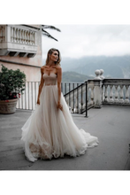 Load image into Gallery viewer, Pleated Tulle Bridal Dresses SweetHeart Neckline Minimalist Wedding Dresses