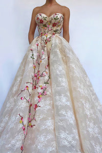 Modest Sweetheart Long Ball Gown Lace Prom Dresses Quinceanera Dresses