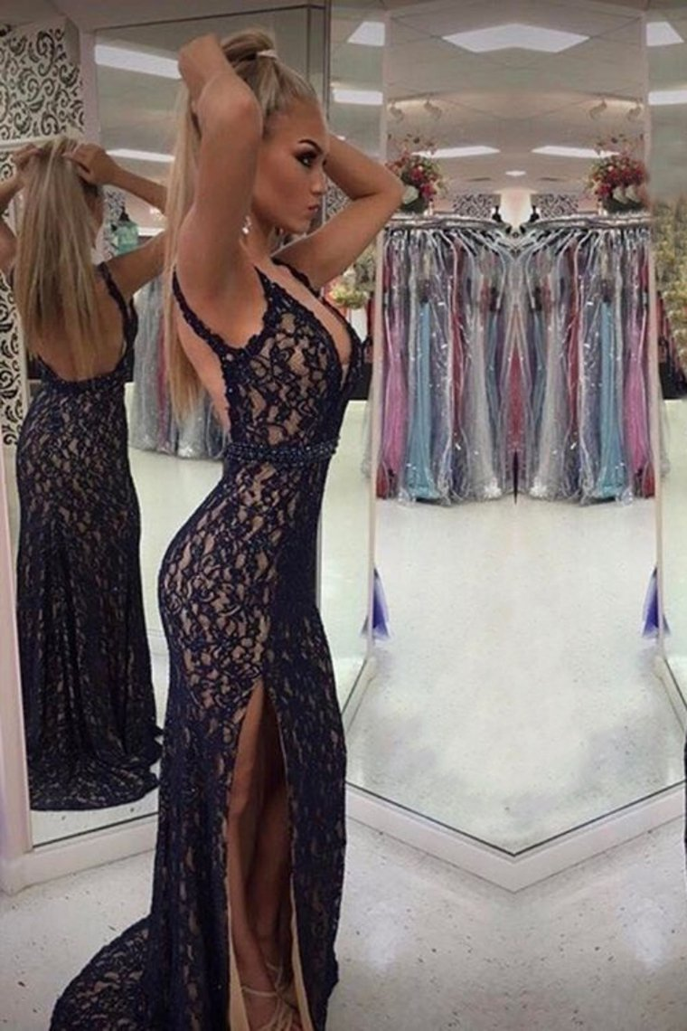 2019 Sexy Mermaid Evening Dresses Straps Open Back Lace With Beaded Waistline And Slit
