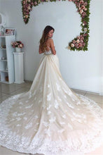 Load image into Gallery viewer, 2019 Tulle Wedding Dresses Mermaid Scoop With Applique Chapel Train Detachable