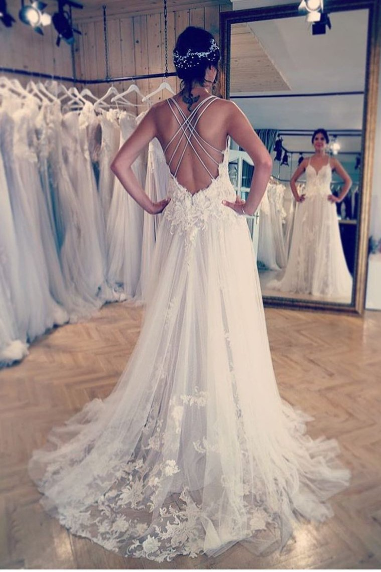 2019 Spaghetti Straps Wedding Dresses Tulle A Line With Applique