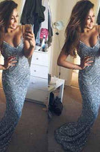 Load image into Gallery viewer, Stunning Mermaid Spaghetti Straps Beading V-Neck Appliques Long Prom Dresses RS923