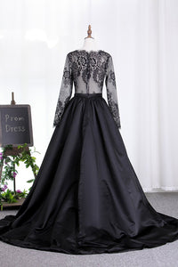 2019 New Arrival Prom Dresses V Neck Satin 3/4 Length Sleeves With Applique
