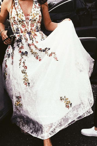 A Line Lace Floral Printed V Neck Appliques White Prom Dresses RS575