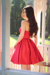 Sweetheart Simple Pleated Red Strapless Satin Party Dresses Short Homecoming Dresses RS915