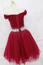 Load image into Gallery viewer, Cute Off the Shoulder Burgundy Homecoming Dresses with Tulle Short Cocktail Dresses H1088