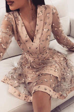 Load image into Gallery viewer, Cute Pink Long Sleeve Homecoming Dresses V Neck Above Knee Prom Dress with Flowers H1060