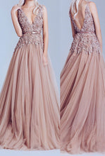 Load image into Gallery viewer, New Fashion Dusty Pink Tulle Off Shoulder Lace Long Elegant Party Prom Dress RS102