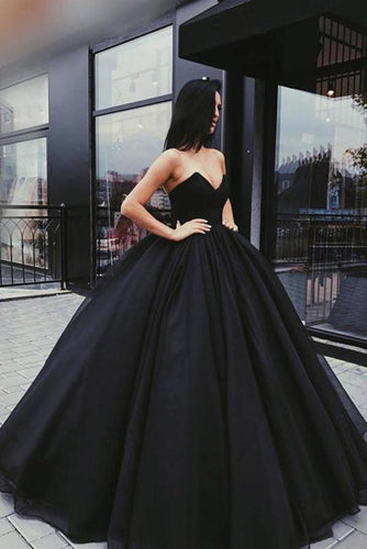 Black Sweetheart Ball Gown Beaded Princess Cheap Strapless Prom Quinceanera Dresses RS852