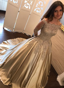 Satin Ball Gown Gold Long Sleeves Scoop Lace Appliques Beads Floor Length Prom Dresses RS771