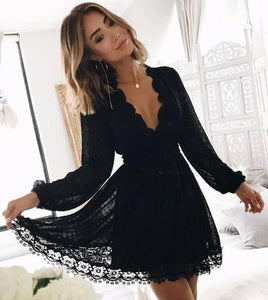 Chic Black Deep V Neck Long Sleeves Lace Homecoming Dress Black Short Prom Gowns H1343