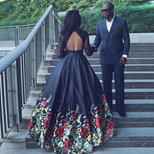 Load image into Gallery viewer, Long Sleeve Two Piece Black Floral Prom Dress with Beading Lace Evening Dresses RS757