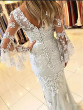 Load image into Gallery viewer, Mermaid V Neck Long Sleeve Prom Dresses Lace Appliques V Back Evening Dresses RS554