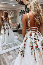 Load image into Gallery viewer, Princess Lace White Prom Dresses V Neck Backless Appliques Long Evening Dresses RS601
