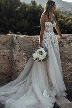 Load image into Gallery viewer, Sweetheart Strapless Lace Rustic Wedding Dresses Long Tulle Beach Wedding Dress W1066