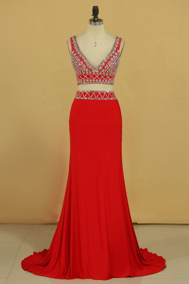 2019 Two Pieces V Neck Prom Dresses Sheath Spandex With Beading Floor Length