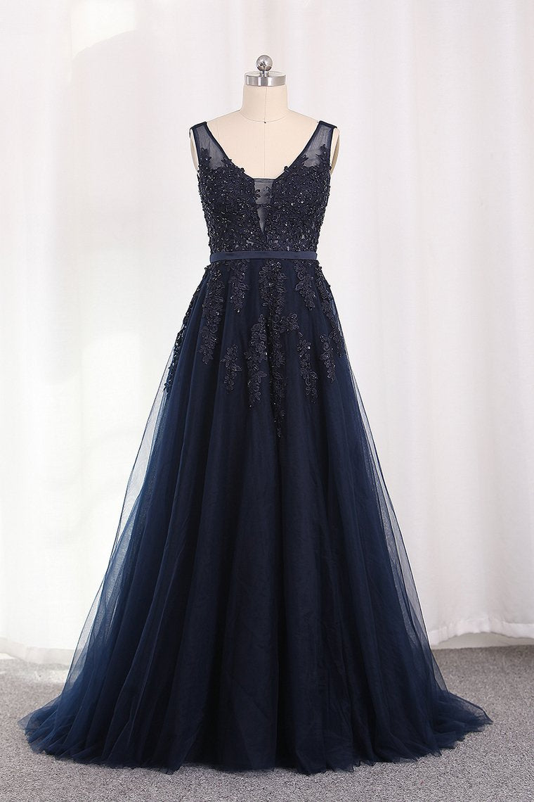 2019 A Line V Neck Tulle Open Back Prom Dresses With Applique