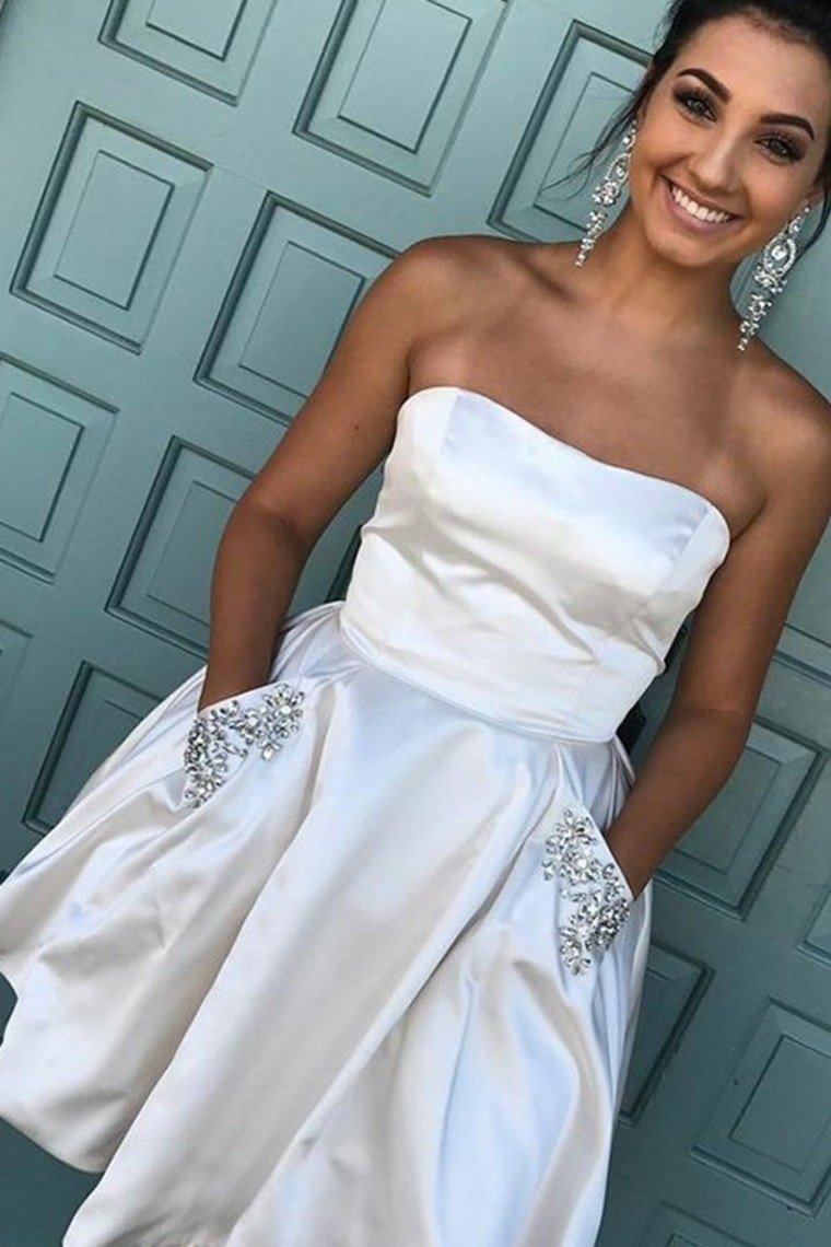 2019 Satin With Pockets Homecoming Dresses A-Line Strapless Satin