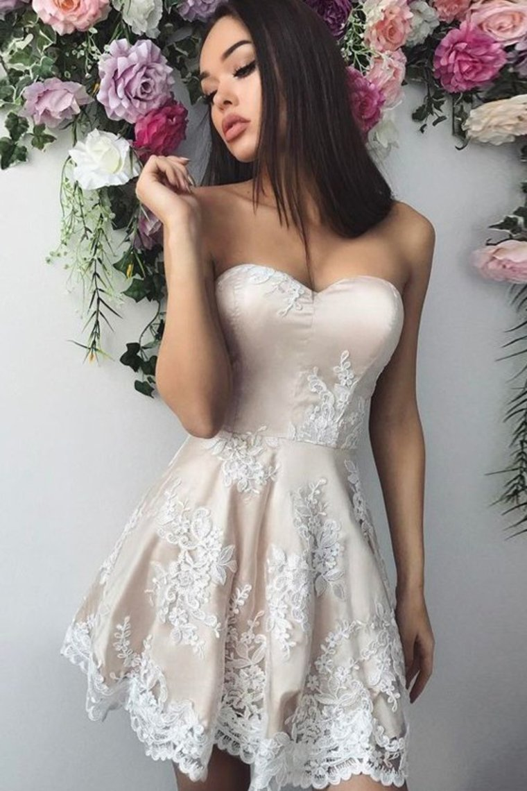 2019 Sweetheart A Line Homecoming Dresses Satin With Applique