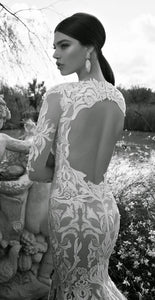 Vintage Long Sleeve Lace Open Back Floor-Length Mermaid Tulle White Wedding Dresses RS620