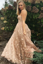 Load image into Gallery viewer, Princess A-Line Strapless Pink Lace Sleeveless Tulle Appliques Pockets Prom Dresses RS822