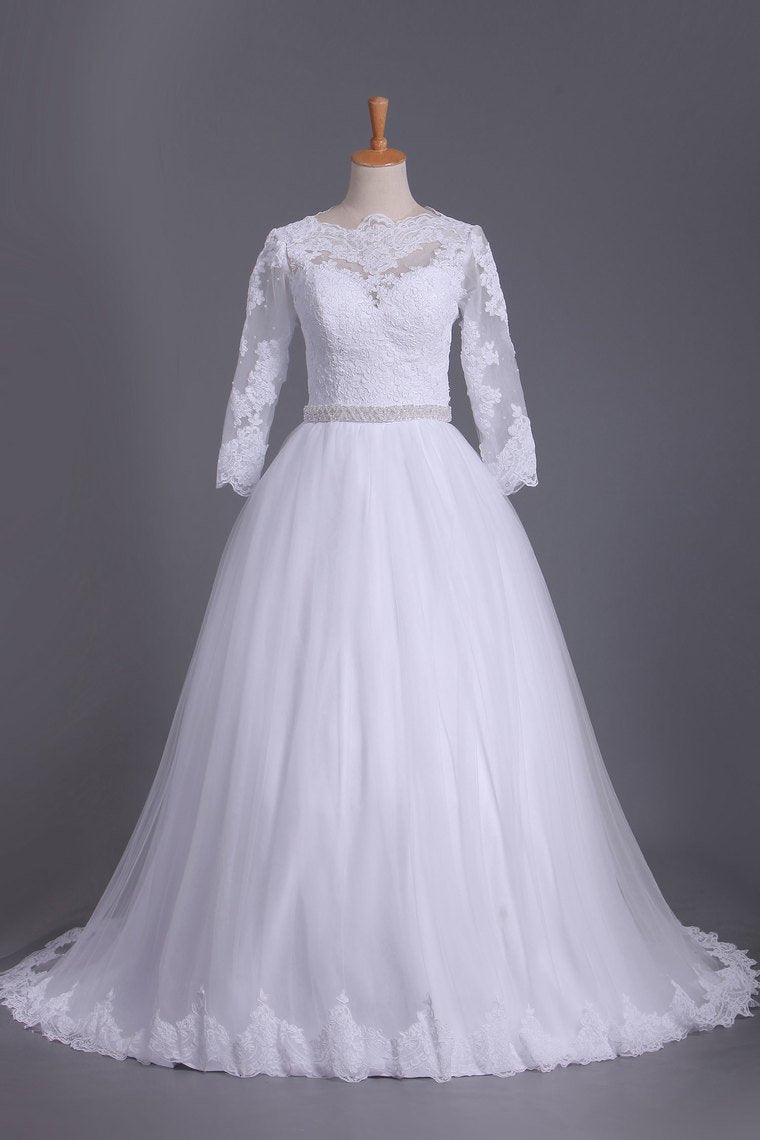 2021 3/4 Length Sleeve Bateau Wedding Dresses Tulle With Applique Court Train