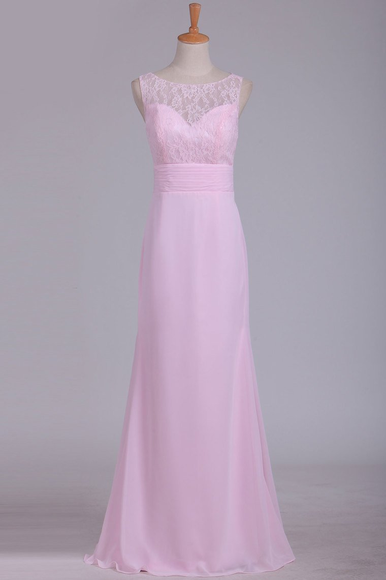 2019 New Arrival Chiffon & Lace Scoop Bridesmaid Dresses Floor Length