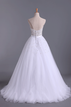 Load image into Gallery viewer, 2019 Wedding Dresses Sweetheart Ball Gown Tulle With Beading And Sash