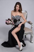 Load image into Gallery viewer, 2019 Prom Dresses Mermaid/Trumpet Black Sweetheart Chiffon With Rhinestone