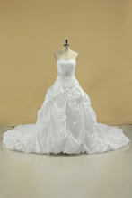 Load image into Gallery viewer, 2019 New Arrival Sweetheart Wedding Dresses With Ruffles And Beads Chapel Train Taffeta