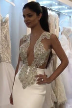 Load image into Gallery viewer, 2019 V Neck Beaded Bodice Prom Dresses Mermaid Sweep Train Satin