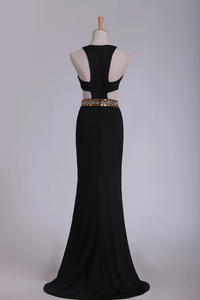 2019 Spandex Scoop Evening Dresses Sheath With Beading And Slit
