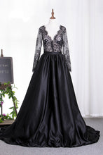 Load image into Gallery viewer, 2019 New Arrival Prom Dresses V Neck Satin 3/4 Length Sleeves With Applique