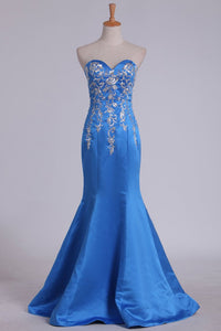 2019 Satin Sweetheart Mermaid Prom Dress With Embroidery Sweep Train