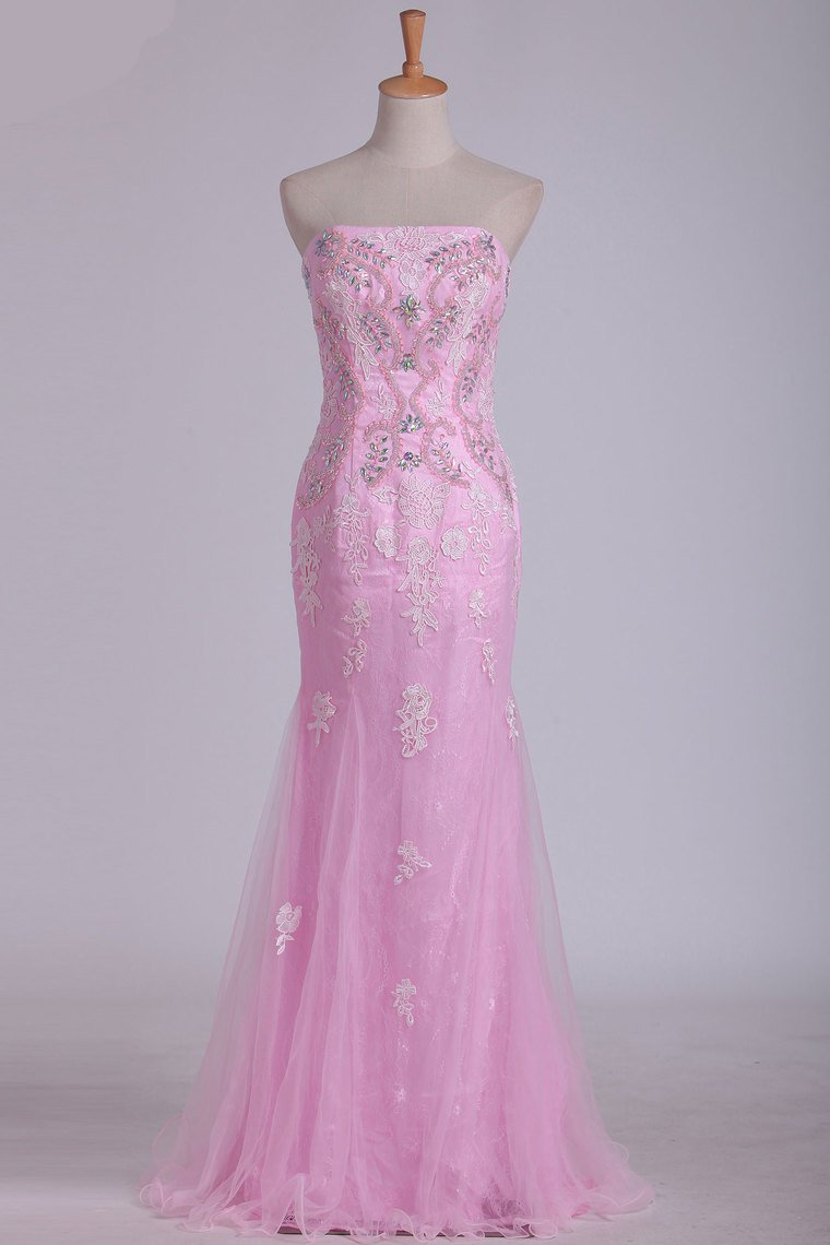 2019 Column Strapless With Beading And Applique Prom Dresses Sweep Train