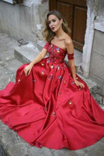 Load image into Gallery viewer, 2019 Red Long Prom Dresses Strapless Floor-Length Satin Sexy Prom Dress/Evening Dress