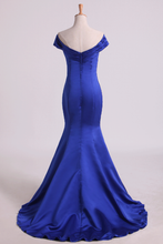 Load image into Gallery viewer, 2019 Prom Dresses Off The Shoulder Satin Mermaid Dark Royal Blue Sweep Train
