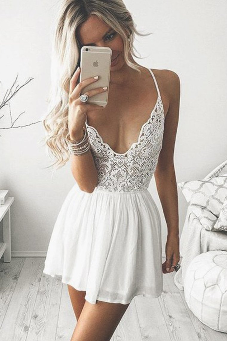 2019 Sexy Spaghetti Straps Homecoming Dresses Chiffon & Lace Short/Mini