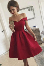 Load image into Gallery viewer, Simple Off the Shoulder Sweetheart Short Homecoming Dresses Burgundy Formal Dress H1139