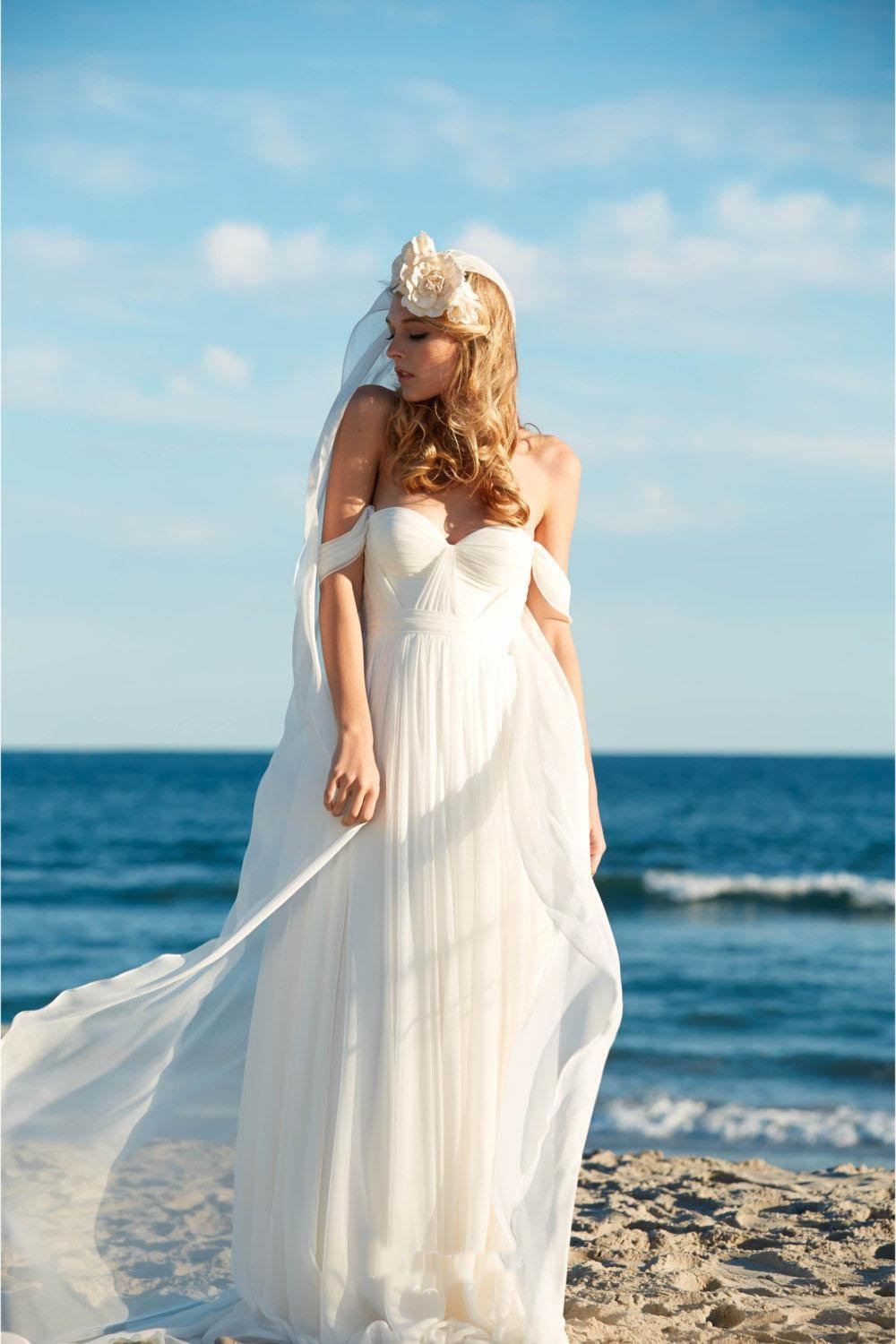 Off-the-Shoulder Empire Pleated White Sweetheart Backless Chiffon Beach Wedding Dress RS576