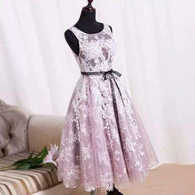 Load image into Gallery viewer, White Homecoming Dress Lace Short Prom Dress Tulle Homecoming Gowns Ball Gown Party Dress RS917